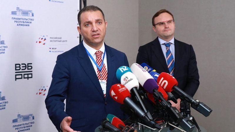Armenia y Rusia firman acuerdo económico en pleno auge