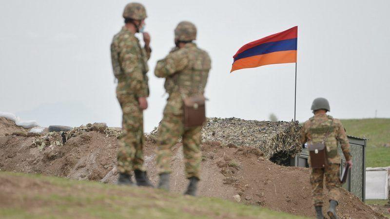 Moscú está seriamente preocupada por el reciente aumento de incidentes armados que ocurren en ciertas secciones de la frontera entre Armenia y Azerbaiyán y pidió eviten agravar más la situación, dijo Alexander Bikantov, vocero de la Cancillería de Rusia.