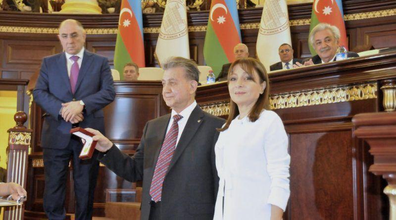 Credibilidad de Oxford afectada por financiación de Azerbaiyán