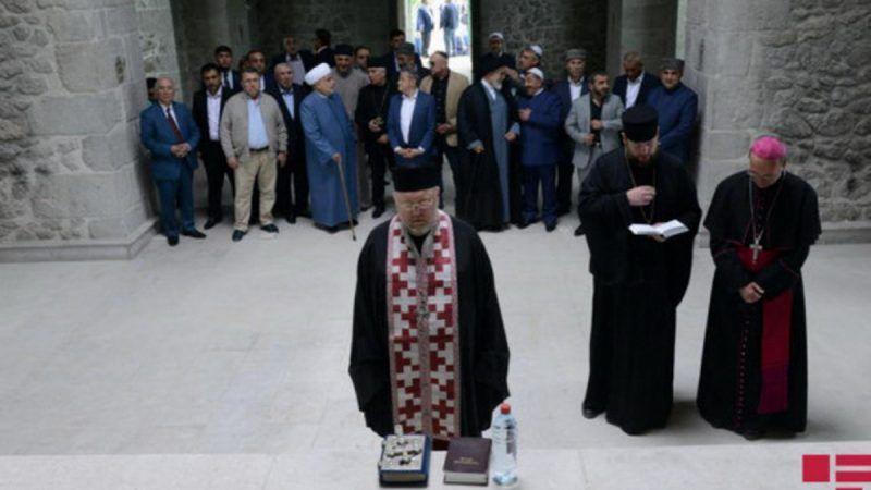 46 embajadores visitaron la conquistada ciudad de Shushi