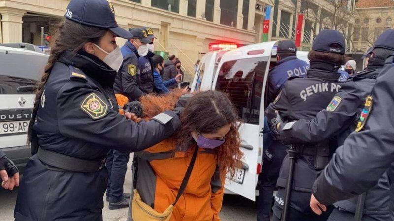 Epidemia de feminicidios en Azerbaiyán en 10 días