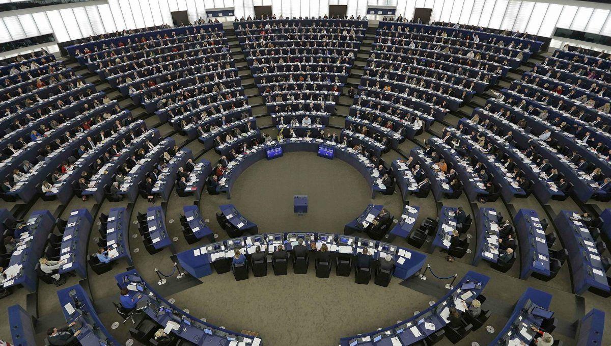 Parlamento Europeo insta a Bakú a liberar los cautivos armenios