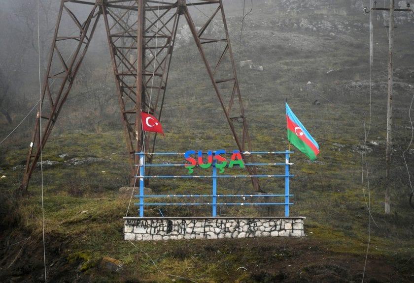 Azerbaiyán dispara contra asentamientos armenios de Shushi