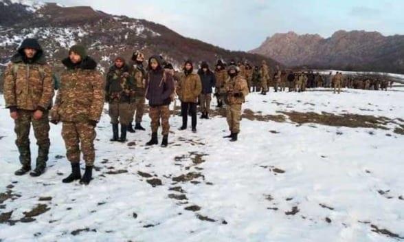 Rusia entrega 2 aldeas armenias a Azerbaiyán y permite captura de 150 armenios